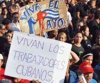 Colma pueblo de Santiago de Cuba Plaza de la Revolución en histórico desfile