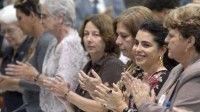 Familiares de Los Cinco Héroes Cubanos prisioneros en los Estados Unidos, en la clausura del VII Congreso de la Unión Nacional de Juristas de Cuba, en el Palacio de las Convenciones, en La Habana, Cuba, el 21 de octubre de 2012. Foto: AIN