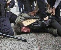 Estudio universitario denuncia violenta represión policial en Nueva York