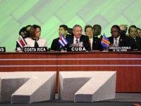 Raúl exhortó  a construir un mundo más justo en G-77. Foto: Estudio Revolución