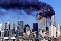 En la Mesa Redonda se abordaron los sucesos que transcurrieron las horas del 11 de septiembre de 2001 en Estados Unidos: donde a las 8:47 a.m.: el vuelo 11 de American se incrusta por completo en la Torre Norte del World Trade Center.