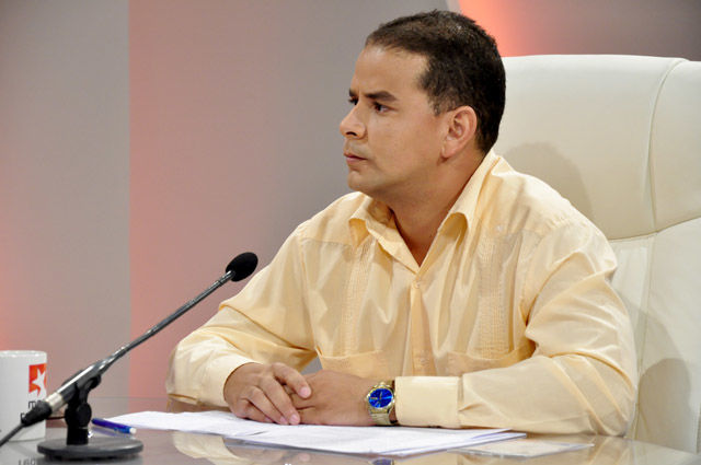 El joven Yoerky Sánchez relató lo vivido en el Foro se Sociedad Civil.