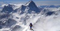 El año pasado visitaron Nepal unos 800 mil turistas, atraídos especialmente por montañas como el Everest, la escalada y el senderismo.