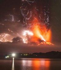 No se descarta una cuarta erupción del volcán Calbuco en Chile .