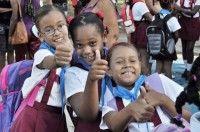 Casi dos millones de estudiantes arriban hoy a las aulas en toda Cuba para dar inicio al nuevo curso escolar 2015-2016.
