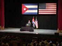"""Cuando el presidente Barack Obama pidió este martes a los cubanos  """"olvidarnos del pasado"""" y """"mirar hacia el futuro"""", estaba parado en el mismo escenario desde el que habló en 1928 el último presidente norteamericano en visitar la Isla."""