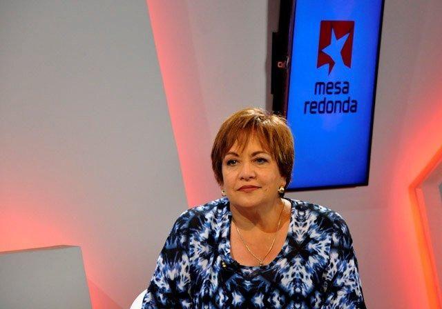 La Mesa Redonda esta vez contó con la periodista Arleen Rodríguez Derivet como moderadora.