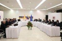 El diálogo se abre paso en Venezuela en busca de la paz y contra los ataques a la institucionalidad en el país.