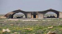 Aviones destruidos de la fuerza aérea siria en la base de Shayrat. Foto: sputnik