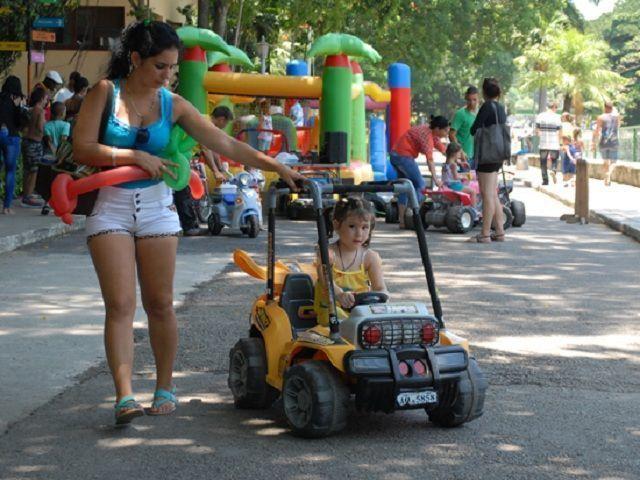 Las principales acciones de la organización están dirigidas a la realización de festivales municipales durante julio, como antesala a la cita mundial de los Jóvenes y los Estudiante