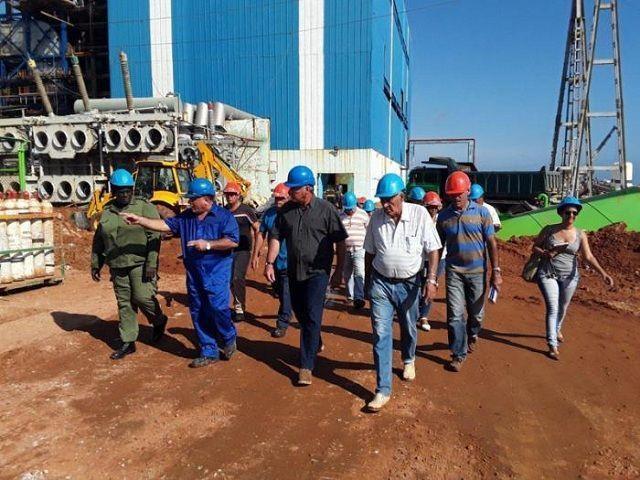 Miguel Díaz-Canel Bermúdez evaluó los trabajos de recuperación en la Central Termoeléctrica Antonio Guiteras