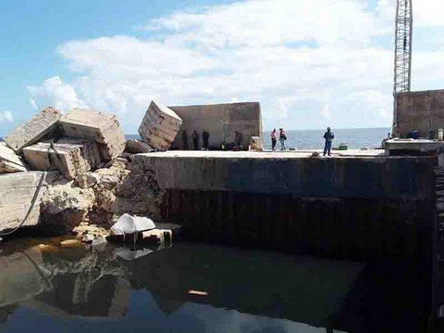 Trabajo de recuperación de la Termoeléctrica Antonio Guitera tras paso del Huracán Irma
