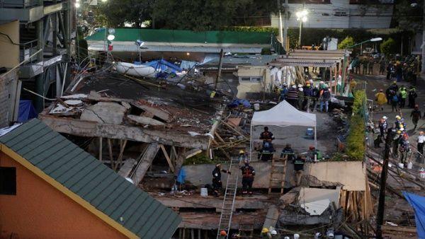 Las labores de rescate no cesan en México en pro de salvar vidas. | Foto: Reuters