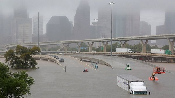La carretera interestatal 45 sumergida por los efectos del huracán Harvey en Houston, Texas, EE.UU. 27 de agosto de 2017