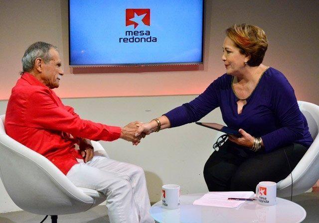 La Mesa Redonda de este viernes recibió a Oscar López Rivera. Foto: Roberto Garaicoa.