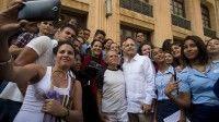 Las nuevas generaciones de cubanos se solidarizaban así con el hombre que estuvo casi 36 años preso en una cárcel estadounidense. (Ismael Francisco / Cubadebate)