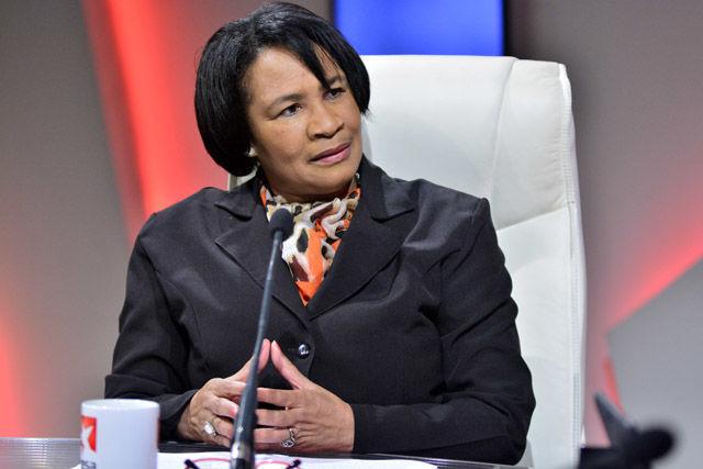 La doctora Miriam Nicado García, rectora de la UCI, refirió que la misma surgió con la premisa de que fuera un centro docente productor, experimental, en el que todos los días se investigara y se innovara.