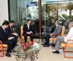 El Primer Secretario del Comité Central del Partido Comunista de Cuba, General de Ejército Raúl Castro Ruz, recibió este miércoles a Song Tao, jefe del Departamento de Enlace Internacional del Partido Comunista de China. Foto: Estudios Revolución