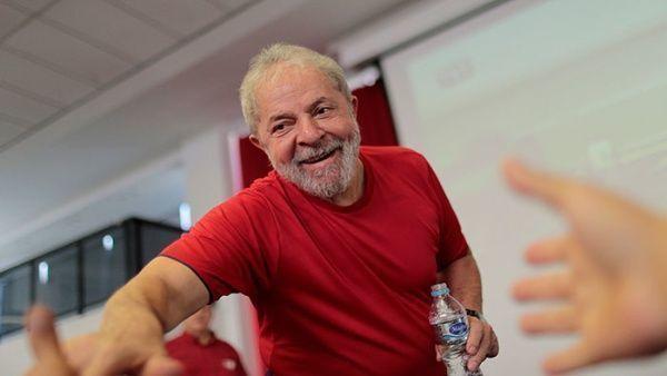 Aún en el caso de salir victorioso en las elecciones de octubre, Lula debería recibir el beneplácito de la Justicia Electoral a mediados de diciembre para asumir el cargo. | Foto: Reuters