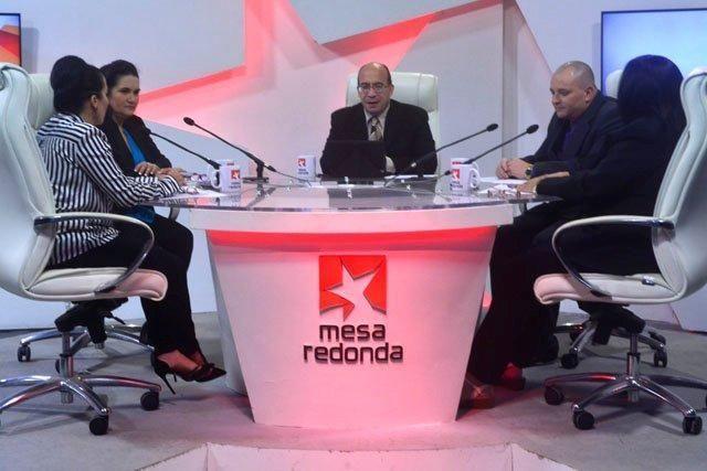 Al aniversario del Sistema de la Radio Cubana, que cumplirá el próximo 24 de febrero 60 años de fundada, estuvo dedicado el espacio televisivo de la Mesa Redonda.