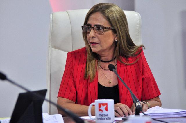 La máster en ciencias Meisi Bolaños Weiss, viceministra de Finanzas y Precios, informó que el presupuesto actual asciende a unos 57 mil 200 millones de pesos en ingresos.