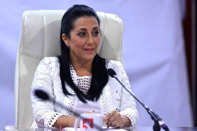 Laslinda Mondeja González anunció que Radio Rebelde será la primera emisora del país que pondrá las dos emisoras en tiempo real en Internet.