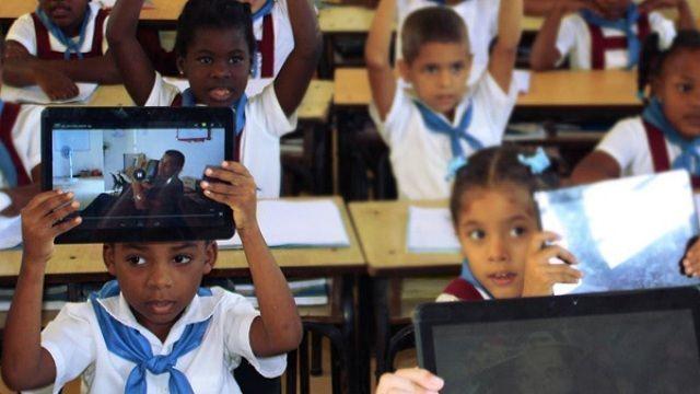 Estas aulas conforman un ecosistema tecnológico integrado y operado por el software ATcnea