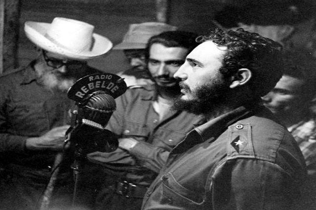 Fidel Castro en habla en Radio Rebelde