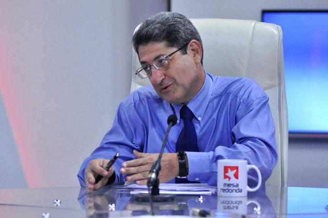 Santiago Pérez Benítez, Subdirector del Centro de Estudios Hemisféricos sobre Estados Unidos (CEHSEU), valora la campaña electoral rusa y sus personajes.