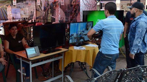 La convergencia entre arte, conocimiento y nuevas tecnologías marcaron La Guayabera 5.0. Autor: Tomada del periódico Escambray