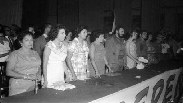 La inserción de la mujer cubana en el proceso de desarrollo del país es considerado como uno de los fenómenos sociales más exitosos ocurridos en la Revolución Cubana
