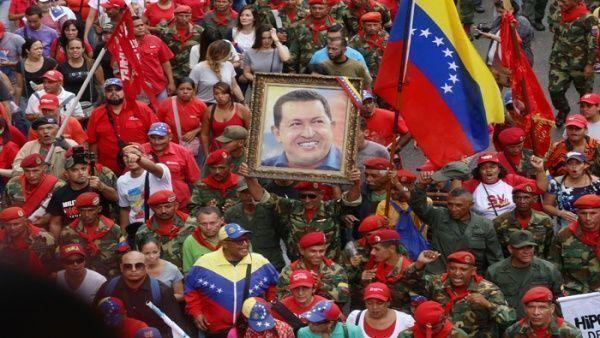 No hay movilización popular en la cual los seguidores de la Revolución Bolivariana no recuerden a su máximo líder.   Foto: AVN