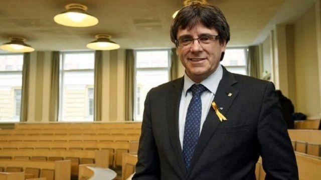 Parlamento catalán reivindica derecho de investidura a Puigdemont y exige liberar presos