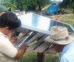 Las comunidades se sumaron a la instalación de los módulos con mucha alegría. Foto: Lisandra Gómez Guerra