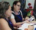 Trabajadoras de ETECSA en el Hotel Tulipán donde se alojan los familiares de las víctimas del accidente aéreo.