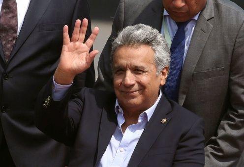 Presidente de Ecuador pide la renuncia de todo su gabinete de Gobierno