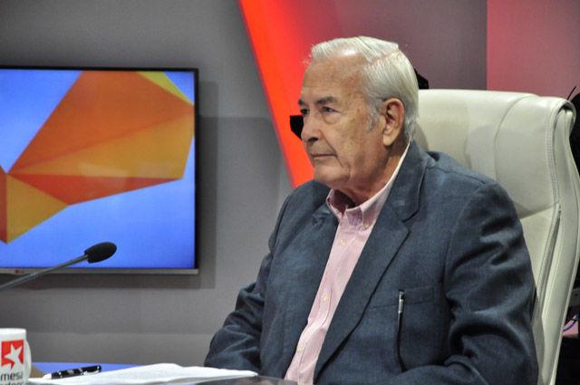 Dr.C. Ángel Jiménez González afirman que estos meses fueron también de fuertes disputas, sobresalen los combates de El Macío, El Yarey, La Estrella y Alto de la Caridad