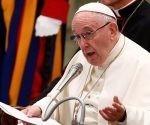 El papa Francisco hablando en el Salón Pablo VI, en el Vaticano, el 1 de agosto de 2018. Foto: Reuters