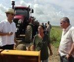 Embajador de Vietnam en Cuba, Nguyen Trong Than recorre sembrado de arroz