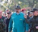 Ministro de la Defensa venezolano, Vladimir Padrino junto a Presidente de Venezuela Nicolás Maduro