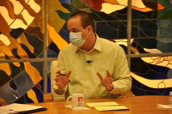 Aseguran atención integral a pacientes de la COVID-19, afirma Ministro cubano de salud
